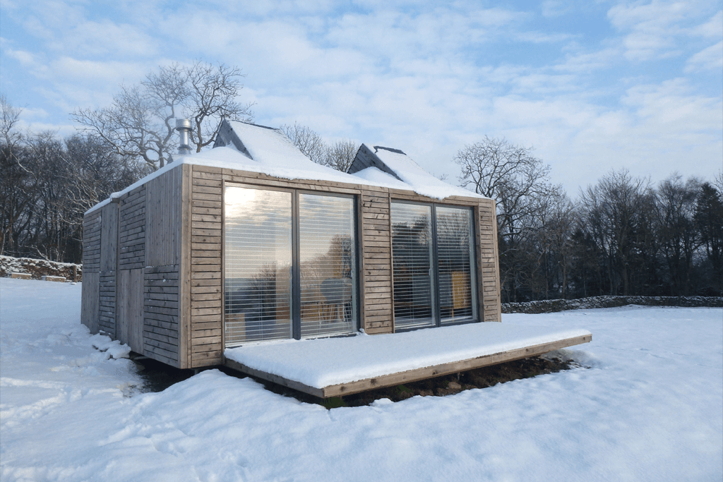 <em>Boutique Eco Retreat</em> | Brockloch Bothy in the snow